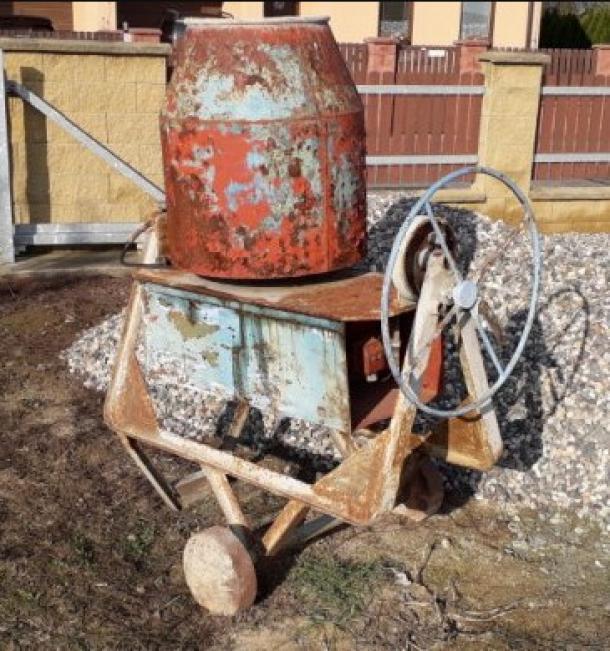 Prodám nefunkční stavební míchačku (špatný motor)